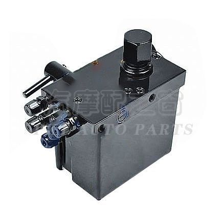 Manual hydraulic oil pump